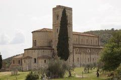 Abtei von Abtei Sant-` Antimo Castelnuovo Abate Montalcino Sienas Toskana Italien von Sant-` Antimo Castelnuovo Abate Montalcino  Stockbild