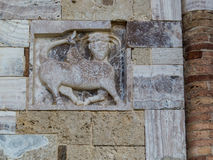 Abtei von Sant& x27; Antimo, Montalcino, Flachrelief Lizenzfreies Stockfoto