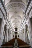 Abteikathedraleninnenraum Stockfotos