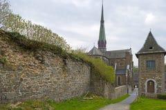 Abteikirche unter einem bewölkten Himmel Stockfoto