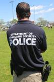Abteilung der Staatssicherheitspolizei, die Sicherheit während Flotten-Woche 2014 zur Verfügung stellt Lizenzfreie Stockfotos