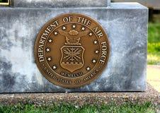 Abteilung Vereinigter Staaten der Luftwaffen-Münze in einer Betonplatte Stockbild