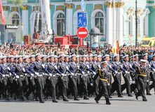 Abteilungsseeleute mit Kalaschnikows Lizenzfreies Stockfoto
