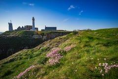 Abteiruine und Leuchtturm, Pointe de Heilig-Mathieu, Bretagne, Frankreich Lizenzfreie Stockfotografie