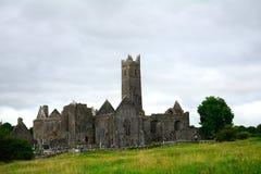 Abteiruinen, Quin, Irland Stockbilder