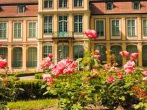 Abtpalast und -blumen in Gdansk Oliva parken Stockbild