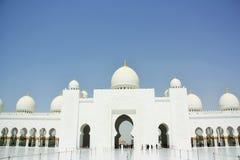 abu阿拉伯最大的dhabi酋长管辖区海湾清真寺一区域回教族长团结zayed 免版税库存图片
