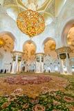 Abu Dabi - 9 Ιανουαρίου 2015: Sheikh μουσουλμανικό τέμενος Zayed επάνω Στοκ εικόνες με δικαίωμα ελεύθερης χρήσης