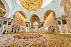 Abu Dabi - 9. Januar 2015: Sheikh Zayed-Moschee an Lizenzfreie Stockfotos