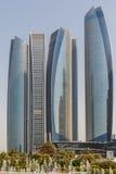 Abu Dhabi Cityscape mit Geschäfts-Nabe, UAE Lizenzfreie Stockbilder