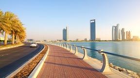 Abu Dhabi, Corniche-Straße Lizenzfreies Stockbild