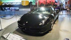 ABU DHABI, DE V.A.E - 20 AUGUSTUS, 2014: Ferrari-Wereld bij Yas-Eiland in Abu Dhabi Legendarische retro auto's Ferrari Royalty-vrije Stock Foto's