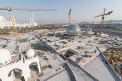 Abu Dhabi, de V.A.E - 2016: De nieuwe uitbreiding van Sheikh Zayed Grand Mosque Royalty-vrije Stock Afbeelding