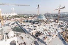 Abu Dhabi, de V.A.E - 2016: De nieuwe uitbreiding van Sheikh Zayed Grand Mosque Royalty-vrije Stock Fotografie