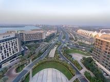 ABU DHABI - DEZEMBER 2016: Panoramische Vogelperspektive von Yas-Insel s Stockbilder