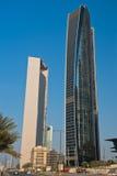 Abu Dhabi Downtown-Straßen mit Wolkenkratzern Lizenzfreie Stockbilder