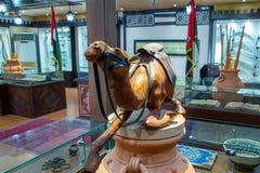 Abu Dhabi, Emirats Arabes Unis - 13 décembre 2018 : Statue d'un chameau dans le musée sur l'île de Sir Bani Yas photos libres de droits