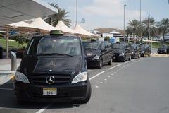 ABU DHABI - FEBRUARI 13: Abu Dhabi International Airport Februari 13, 2016 i Abu Dhabi, Förenade Arabemiraten Arkivfoto