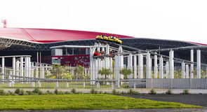 Abu Dhabi Ferrari World Theme-de Parkbouw in Uni Stock Foto's