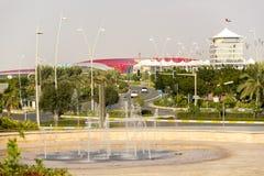 Abu Dhabi Ferrari World Theme parkerar byggnad in Uni Arkivfoto