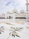 ABU DHABI - 5 GIUGNO: Sheikh Zayed Mosque Immagini Stock Libere da Diritti