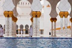 ABU DHABI - 5 GIUGNO: Sheikh Zayed Mosque Fotografia Stock