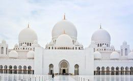 ABU DHABI - 5 GIUGNO: Sheikh Zayed Mosque il 5 giugno Fotografie Stock Libere da Diritti