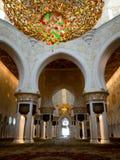 Abu Dhabi Grand Mosque Innen Lizenzfreie Stockfotos