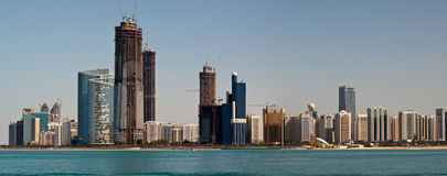 Abu Dhabi horisont Royaltyfri Bild