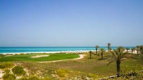 Abu Dhabi Im Sommer von 2016 Die geschützte Oase auf dem Hotel St. Regis Saadiyat Island Resort Stockbild