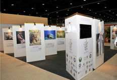 Abu Dhabi International Hunting en Ruitertentoonstelling (ADIHEX) - Rifq-Paviljoen royalty-vrije stock foto's