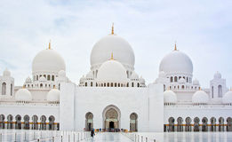 ABU DHABI - JUNE 5: Sheikh Zayed Mosque on June 5 Royalty Free Stock Photos