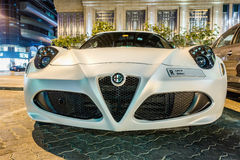 ABU DHABI - LISTOPAD 3, 2016: Alfa Romeo 4C Coupe w Abu Dhabi Obraz Royalty Free