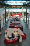 Abu Dhabi Marina Mall i UAE Royaltyfri Foto