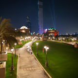 Abu Dhabi Night Arkivfoto
