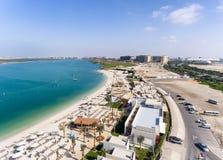 Abu Dhabi Ras Island Beach-Vogelperspektive Lizenzfreie Stockfotografie