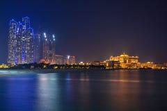 Abu Dhabi sceneria przy nocą, UAE Zdjęcia Royalty Free