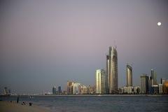 Abu Dhabi Skyline Fotos de archivo libres de regalías