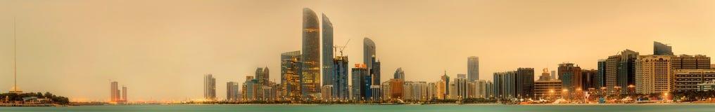 Abu Dhabi Skyline Lizenzfreies Stockfoto