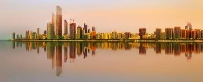 Abu Dhabi Skyline Arkivfoto