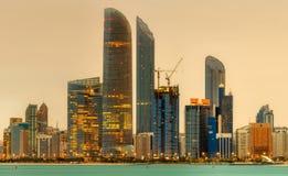 Abu Dhabi Skyline Lizenzfreie Stockfotos