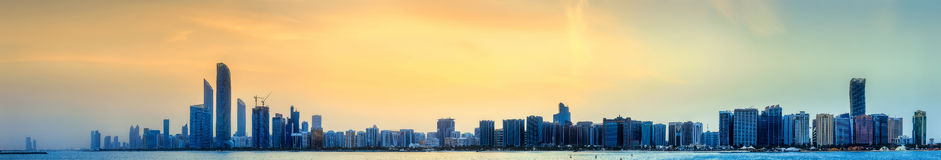 Abu Dhabi Skyline Images stock