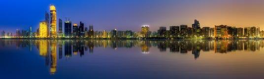 Abu Dhabi Skyline Lizenzfreies Stockbild