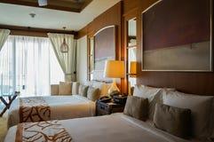 Abu Dhabi Sommar 2016 Ljus och modern inre St Regis Saadiyat Island Resort för lyxigt hotell Arkivbilder