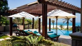 Abu Dhabi Sommar 2016 Ljus och modern inre St Regis Saadiyat Island Resort för lyxigt hotell Arkivfoto