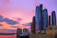 Abu Dhabi Sonnenuntergangtürme Lizenzfreie Stockbilder