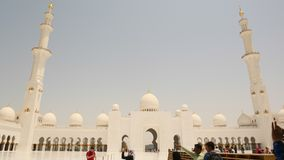 ABU DHABI UAE - AUGUSTI 20, 2014: Sheikh Zayed Mosque Abu Dhabi, Förenade Arabemiraten Arkivfoto
