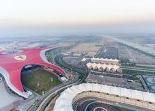 ABU DHABI, UAE - 6. DEZEMBER 2016: Ferrari-Weltpark ist- der Lar Stockfotografie