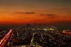 Abu Dhabi, UAE en el amanecer, mostrando las torres de Corniche y de Etihad Imagenes de archivo