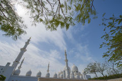 ABU DHABI, UAE -19 IM MÄRZ 2016: Sheikh Zayed Grand Mosque in Abu Dhabi, Vereinigte Arabische Emirate Stockbilder